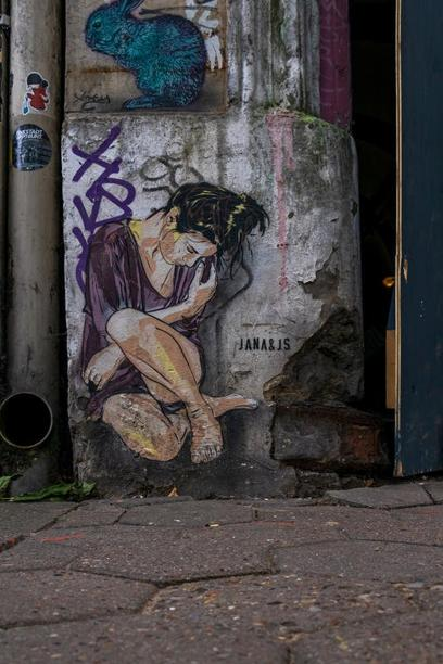 Platz 1: Little Woman - Street-Art