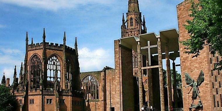 Die St. Michael's Cathedral von Coventry.