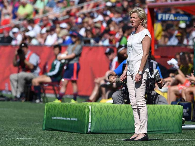 Germany's head coach Silvia Neid reacts during the FIFA Women«s World Cup 2015 Round of 16 soccer match between Germany and Sweden at the Lansdowne Stadium in Ottawa, Canada, 20 June 2015. Photo: Carmen Jaspersen/dpa +++(c) dpa - Bildfunk+++