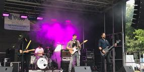 Rock for Tolerance 2019: Die Band Princes of Provinces steht auf der Bühne in Hann. Münden.