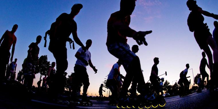 """Foto: """"Skate by Night"""" in Hannover."""