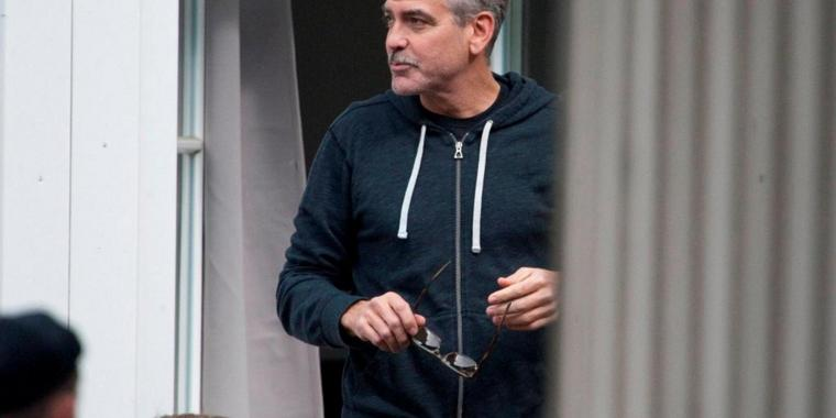 "Foto: Lockt Touristen in den Harz: George Clooney bei Dreharbeiten des Films ""The Monuments Men"" in Goslar."