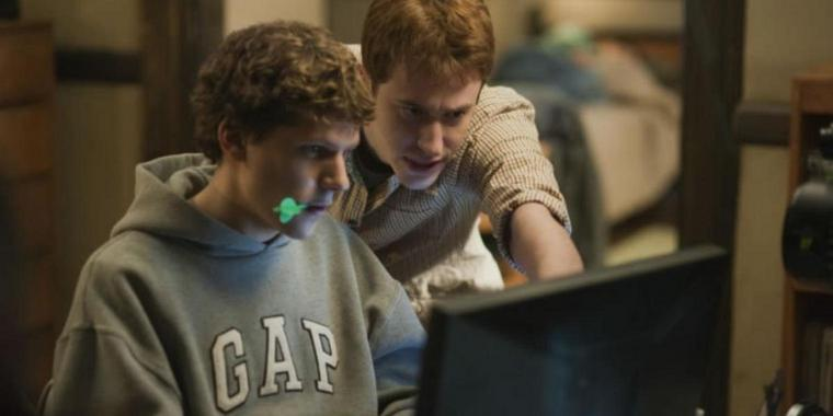"David Finchers Facebook-Film ""The Social Network"" hat die Spitze der deutschen Kinocharts erobert."