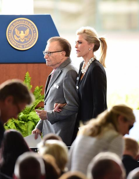 Prominente Gäste: Talkmaster und Journalist Larry King and und seine Frau Shawn King