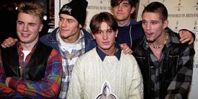 Robbie Williams (2. v. r.) mit seiner Band Take That im Jahr 1993.