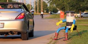 "Foto: Trampt durch Kanada: der ""HitchBot""."