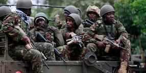 Foto: Soldaten der Kenya Defence Forces (KDF) an der Wesgate Shopping Mall in Nairobi.