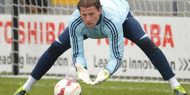 Foto: Der Fußball-Nationaltorhüter Roman Weidenfeller beim Training in London.