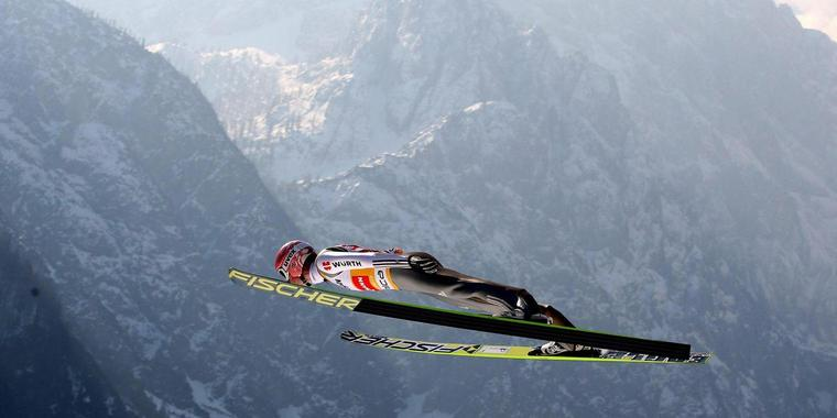 epa04669491 Germany's Severin Freund in action during the training session for the Large Hill HS 225 individual competition of the Ski Jumping World Cup in Planica, Slovenia, 19 March 2015. EPA/GRZEGORZ MOMOT POLAND OUT +++(c) dpa - Bildfunk+++