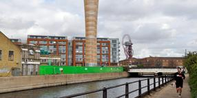 Foto: Blick auf das Projekt der Firma Inter Ikea am Three Mills Wall River in London.