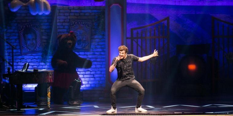 Foto: Agile Bühnenshow: Entertainer Luke Mockridge in der Kieler Sparkassen-Arena.