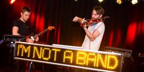 Foto: I'm Not A Band live im Roten Salon der Pumpe.