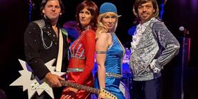 """Mit dabei: Die Abba-Cover-Band """"Sounds of Sweden""""."""