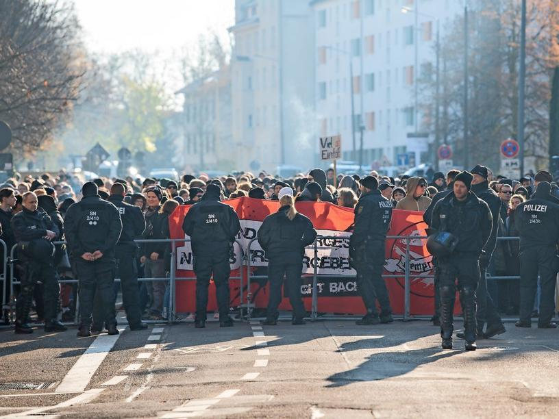 Poggenburg Demo in Connewitz am 23.11.2019 in Leipzig (Sachsen).