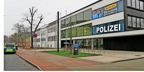 Die Polizeiwache in der Magdeburger Straße in Brandenburg.