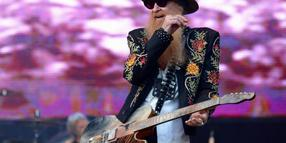 Billy Gibbons, Gitarrist der texanischen Band ZZ Top in Hamburg im Stadtpark.