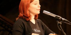 Thea Dorn 2007 bei ihrer Lesung in Hannover.