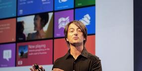 Joe Belfiore, Vize-Präsident des Windows Phone Program Management Teams erklärt Windows 8 während einer Präsentation in San Francisco.