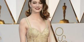 TOP: Emma Stone glänzte in Gold.