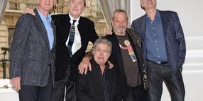 John Cleese, Terry Gilliam, Terry Jones, Eric Idle and Michael Palin (l.) in London. Foto: Andy Rain