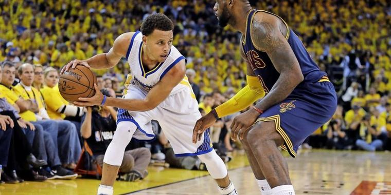 Die Superstars des Sports: Stephen Curry (links) und LeBron James.