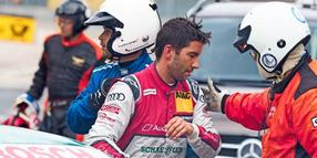 Mike Rockenfeller nach dem Crash.