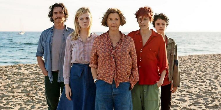 Patchworkfamilie: William (Billy Crudup. v. l.), Julie (Elle Fanning), Dorothea Fields (Annette Bening), Abbie (Greta Gerwig), Jamie (Lucas Jade Zumann).