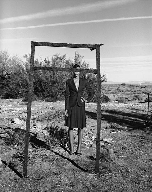 Peter Lindbergh Esther Cañadas, Nevada, 1997