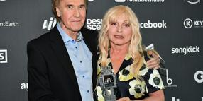 "Urgestein des Britpop: Ray Davies (hier mit US-Kollegin Debbie Harry bei den AIM Independent Music Awards am 3. September im Londoner Roundhouse) bringt ""Arthur or the Decline and Fall of the British Empire"", das verlorene Meisterwerk seiner Band Kinks, neu heraus. Ein neues Kinks-Album ist ebenfalls in Vorbereitung.WORLD RIGHTSDebbie Harry and Ray Davies at AIM Independent Music Awards at the Roundhouse, Camden Town, London, UK.SEPTEMBER 3rd 2019REF: SLI 193209See Li 