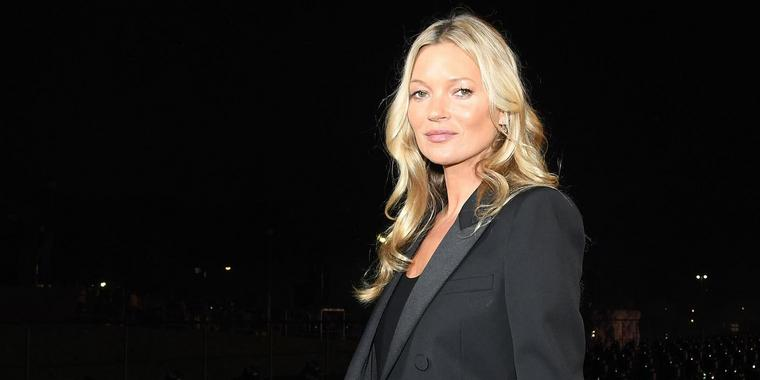 "Kate Moss bei ihrem Besuch der ""Spring/Summer 2020 Fashion-Show"" von Yves Saint Laurent im September in Paris."