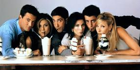 "Damals waren sie noch zwei Jahrzehnte jünger: Die ""Friends""-Darsteller Matthew Perry (von links), Jennifer Aniston, David Schwimmer, Courteney Cox, Matt LeBlanc und Lisa Kudrow."