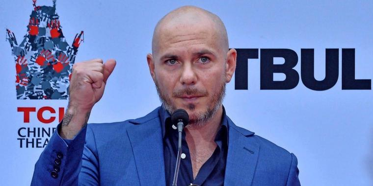 "Für den Film ""Aquaman"" hat Rapper Pitbull den Song ""Africa"" gecovert."