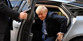 Boris Johnson kommt in der Downing Street an.