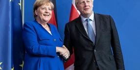 Angela Merkel trifft Boris Johnson in Berlin.