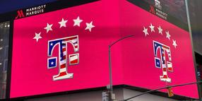 Eine Filiale des Mobilfunkproviders T-Mobile US am belebten Times Square in New York.