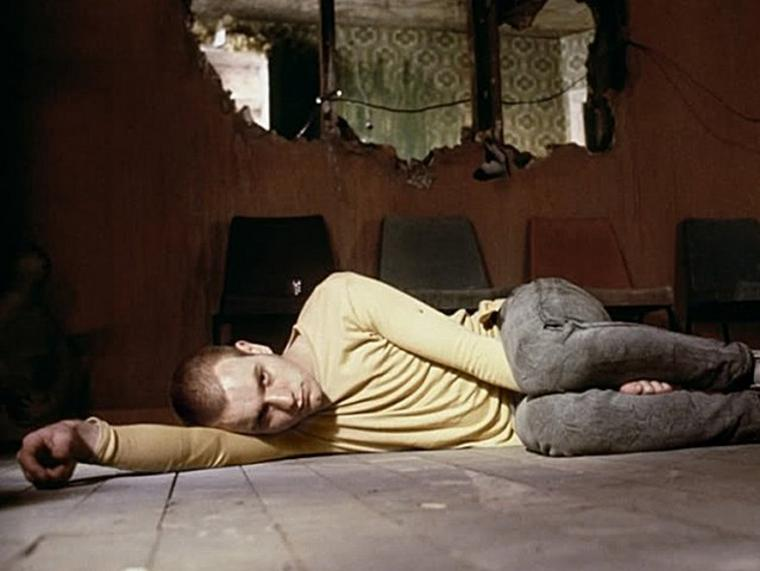 "Ewan McGregor in ""Trainspotting"""