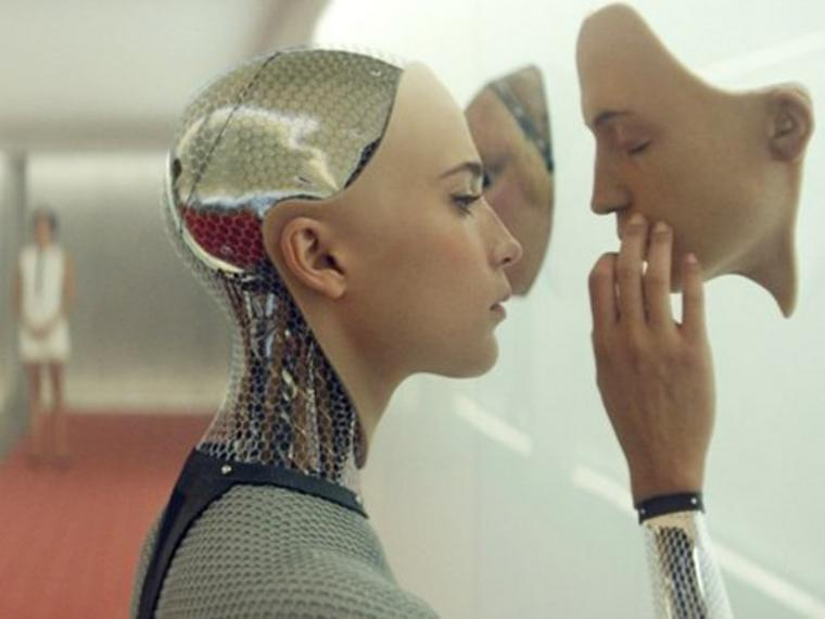 "Geheimnisvolle Roboterfrau: Alicia Vikander in ""Ex Machina"""