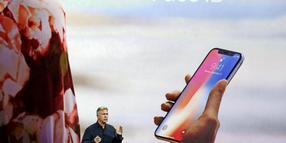 Marketing-Chef Phil Schiller bei der Vorstellung des iPhone X.
